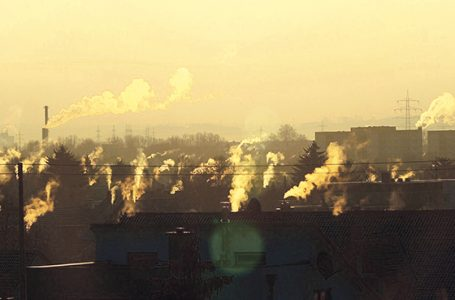 Smog atakuje, rząd obiecuje